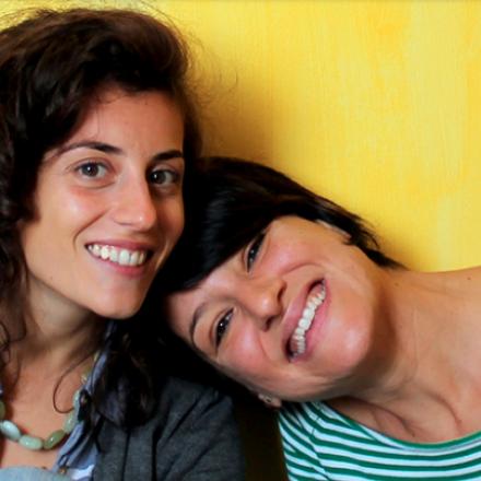 Barbara e Luciana: Le Zazi ideatrici delle insolite camice premaman