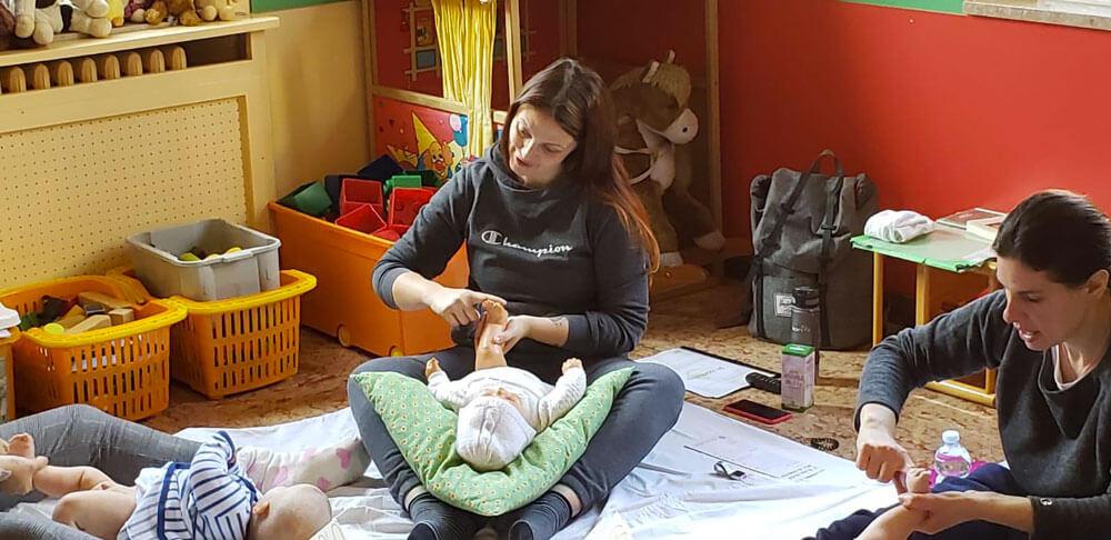 laura uguzzoni massaggi neonato